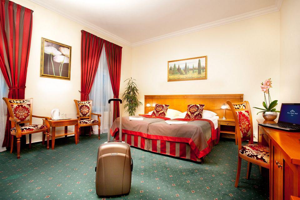 HOTEL GREEN GARDEN 4*