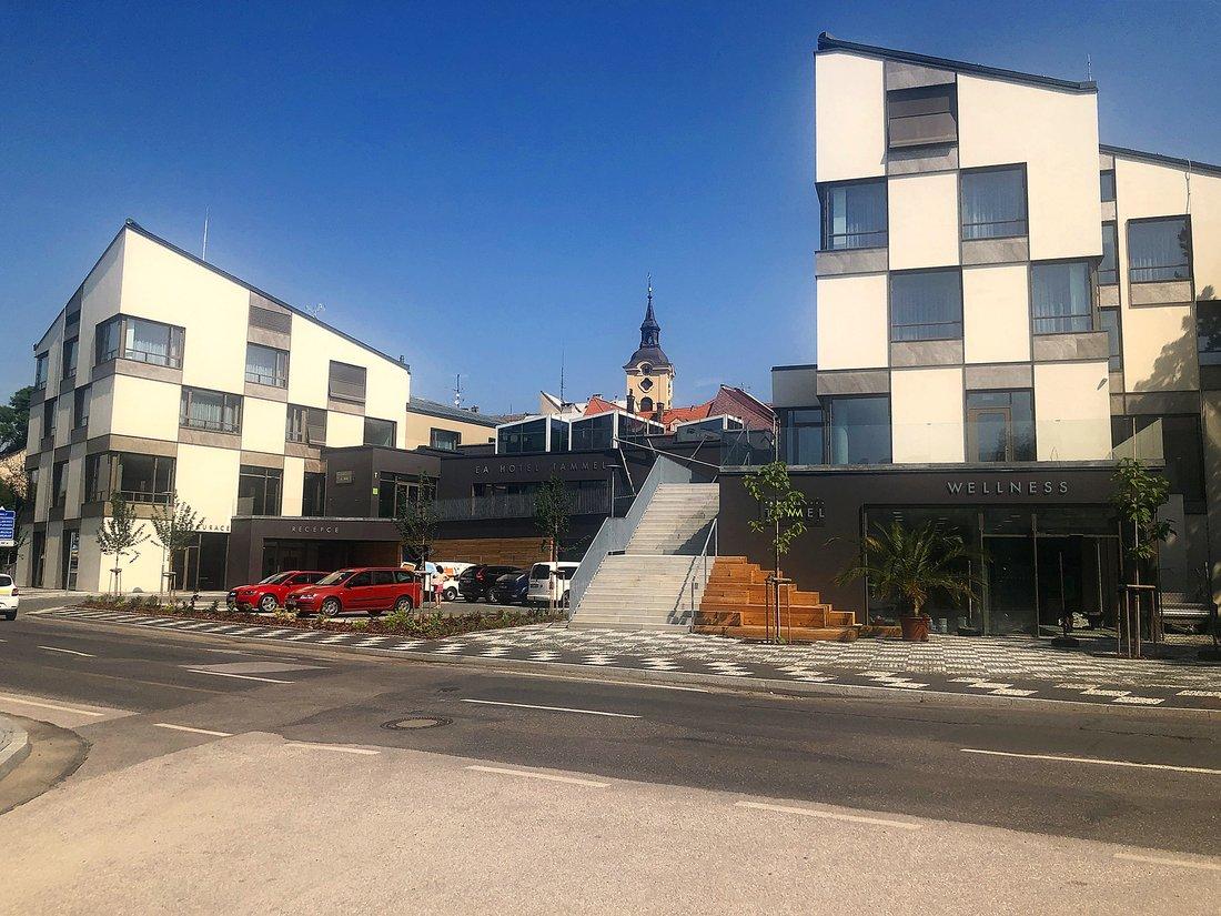 ea_hotel_tammel_building_1